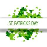 Conception de jour du ` s de St Patrick avec le trèfle de feuille d'arbre et les points d'or sur le fond blanc Illustration de ve Illustration Libre de Droits