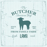 Conception de label d'American Shop de boucher avec l'agneau Calibre texturisé de logo de vintage d'animal de ferme Images libres de droits
