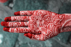 Conception de Mehandi dans la main indienne Images stock