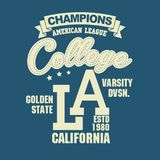 Conception de typographie de T-shirt de sport de la Californie Photographie stock