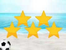 Conception ensoleillée de l'océan 3D de plage du football du football Images stock