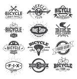 Conception et logo typographiques de label de bicyclette illustration libre de droits