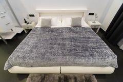 Conception grise pour la chambre à coucher Photographie stock