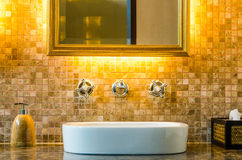 Conception intérieure d'une salle de bains Photographie stock