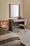 Conception intérieure de belle et moderne chambre à coucher. Photo stock