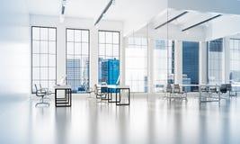 Conception intérieure de bureau dans la couleur de whire et rayons de lumière de fenêtre Photo stock
