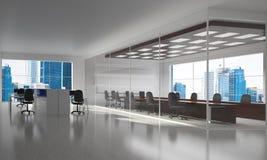 Conception intérieure de bureau dans la couleur de whire et rayons de lumière de fenêtre Images libres de droits
