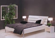 Conception intérieure de chambre à coucher moderne. Photographie stock libre de droits