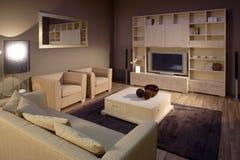 Conception intérieure de salle de séjour élégante et de luxe. Photo stock