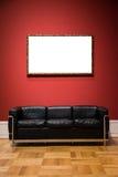 Conception minimale fleurie C d'isolement par blanc d'Art Museum Frame Red Wall Photographie stock
