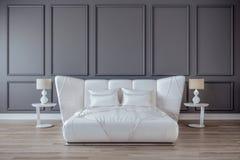 Conception moderne de chambre à coucher intérieure, lit blanc de satin, mur gris, plancher en bois foncé illustration libre de droits