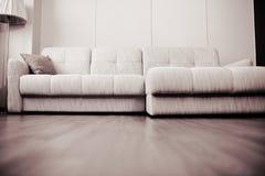 Conception moderne du salon dans un style minimaliste Photos stock
