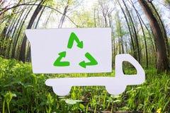 Conception plate de camion ? ordures dans la couleur verte photos stock
