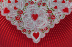 Conception rouge de tissu d'enveloppe de coeur de Valentine Image stock