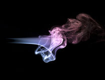Concepto abstracto del humo en fondo negro Fotografía de archivo libre de regalías