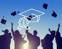 Concepto acertado de la educación del sombrero académico de la graduación foto de archivo