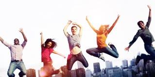 Concepto alegre de la celebración del éxito de la felicidad de la gente imagen de archivo