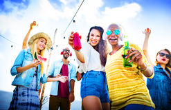 Concepto alegre de la felicidad del verano de la playa del baile Fotos de archivo
