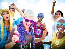 Concepto alegre de la felicidad del verano de la playa del baile Fotografía de archivo