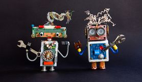 Concepto amistoso del servicio de mantenimiento de los robots Juguetes creativos del cyborg del diseño, llave de la mano de la ll Imagen de archivo libre de regalías