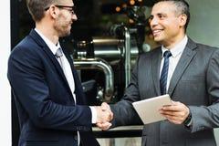 Concepto corporativo del apretón de manos del trato de los hombres de negocios Imagenes de archivo