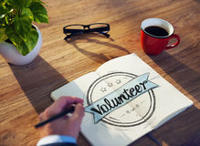 Concepto de Brainstorming About Volunteer del hombre de negocios Imagen de archivo libre de regalías