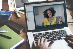 Concepto de charla de la comunicación de Facetime de la llamada video fotos de archivo libres de regalías