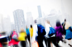 Concepto de conmutación casual de la ciudad de la hora punta de la gente que camina Foto de archivo