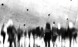 Concepto de conmutación casual de la ciudad de la hora punta de la gente que camina Imagen de archivo