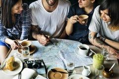 Concepto de consumición del café del grupo de personas Fotografía de archivo libre de regalías