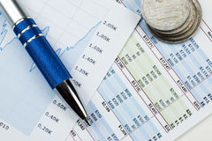 Concepto de contabilidad con las cartas y los gráficos imágenes de archivo libres de regalías