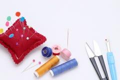 Concepto de costura de las herramientas, de la adaptación y de la moda Fotografía de archivo libre de regalías