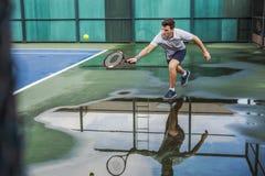 Concepto de Court Fit Game del atleta del ejercicio practicante del tenis Imagen de archivo