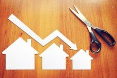 Concepto de descenso de las ventas de las propiedades inmobiliarias imagenes de archivo