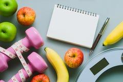 Concepto de dieta del fondo de la aptitud y de la forma de vida activa sana Foto de archivo