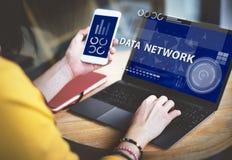 Concepto de Digitaces de la conexión a internet de la red de ordenadores fotografía de archivo