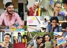 Concepto de Digital Devices Teamwork del estudiante universitario de la diversidad fotografía de archivo libre de regalías