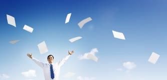 Concepto de Documents Throwing Happiness del hombre de negocios del negocio Foto de archivo