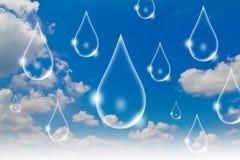 Concepto de Eco: Gota del agua en el cielo Imágenes de archivo libres de regalías