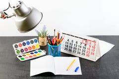 Concepto de educación, primer de septiembre o de nuevo a la escuela w Imagenes de archivo
