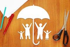 Concepto de familia feliz segura Imagenes de archivo