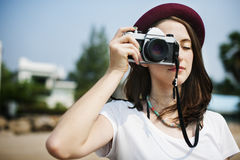 Concepto de Focus Shooting Nature del fotógrafo de la cámara de la muchacha Fotografía de archivo libre de regalías