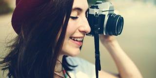 Concepto de Focus Shooting Nature del fotógrafo de la cámara de la muchacha Fotos de archivo libres de regalías