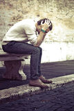 Concepto de la ansiedad Hombre joven con problemas, desesperación Imágenes de archivo libres de regalías