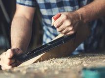 Concepto de la artesanía en madera de Craftman Lumber Timber del carpintero fotos de archivo libres de regalías
