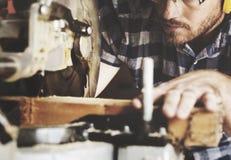 Concepto de la artesanía en madera de Craftman Lumber Timber del carpintero foto de archivo libre de regalías