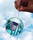 Concepto de la burbuja del mercado inmobiliario Imágenes de archivo libres de regalías