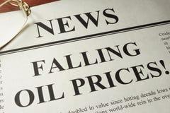 Concepto de la caída de precios del aceite Foto de archivo