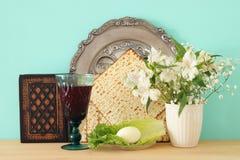 Concepto de la celebración de Pesah y x28; holiday& judío x29 de la pascua judía; Traducción para el texto hebreo: huevo fotos de archivo libres de regalías