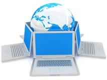 Concepto de la computadora portátil y del globo Imagen de archivo libre de regalías